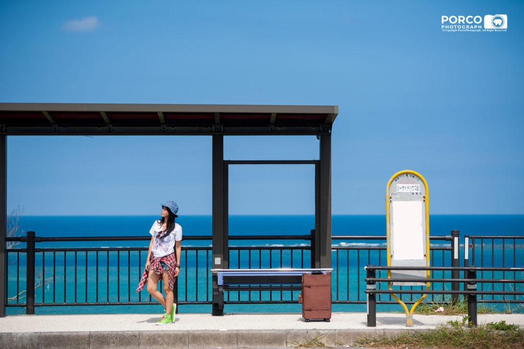 海がキレイなバス停
